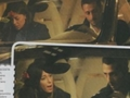 Corona e Belen litigano in macchina