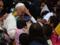 Papa Francesco commosso a Rio: 'Fate casino!'