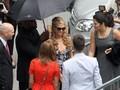 Paris Hilton in langerie su Instagram e oggi a Milano in veste di stilista
