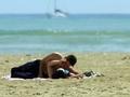 Relazioni in vacanza: gli italiani si confermano playboy