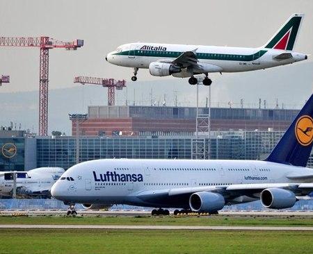 Alitalia, giunte sette offerte: Lufthansa ed EasyJet in testa