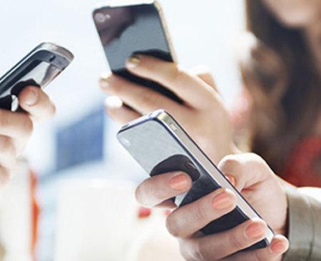 Smartphone: dal 1° agosto arriva la stangata sulle tariffe (Wind, Vodafone e Tim)