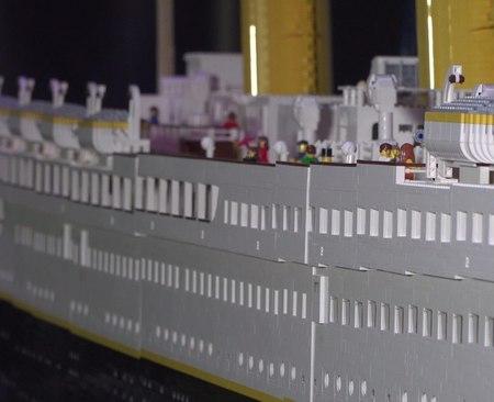 Roma, bambini distruggono il Titanic di Lego: genitori multati