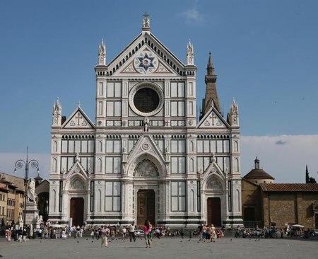 Firenze: crollo a Santa Croce. Morto un turista