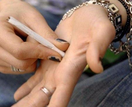 Droga: il mercato degli stupefacenti fattura 12 miliardi l'anno