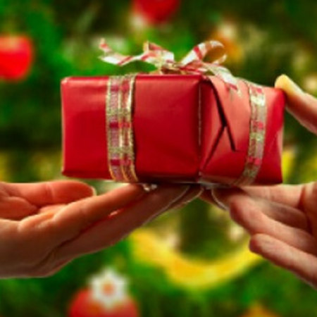 Natale 2016: idee regalo per far felice una donna