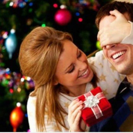 Arriva Natale: 5 idee per scegliere il regalo perfetto ad un uomo