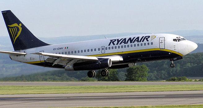 Offerta shock Ryanair, solo 4 giorni per prenotare voli a 9,99 euro